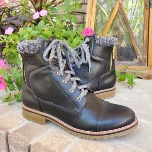 Tommy Hilfiger Omar2 combat boots women's like new